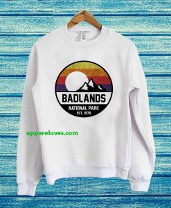 Badlands National Park Retro Mountain Sweatshirt thd